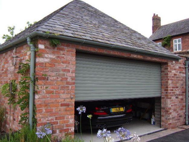 Classic Garage Door in Chartwell Green