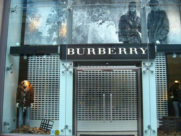 Burberry V77